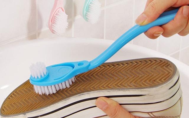 Vệ sinh giày sạch như mới đơn giản tại nhà cho mọi loại giày - 3