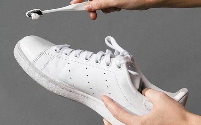 Vệ sinh giày sạch như mới đơn giản tại nhà cho mọi loại giày - 7