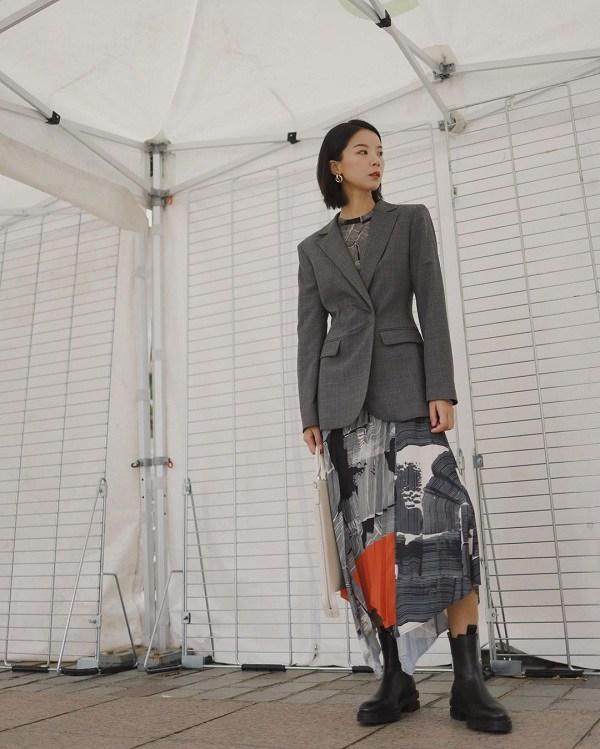"""Với vài trang phục cơ bản, """"Tình đầu quốc dân"""" Suzy phối đồ công sở đẹp mê trong phim mới - 14"""
