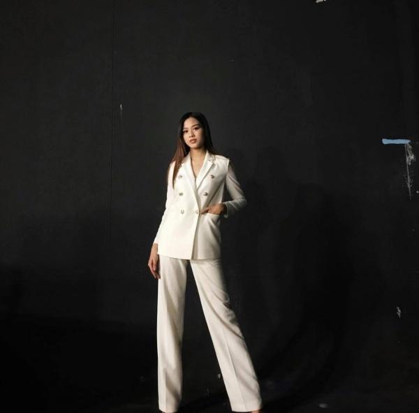 Cận cảnh đôi chân dài 1,11m nuột nà như báu vật của Tân Hoa hậu Việt Nam Đỗ Thị Hà - 4