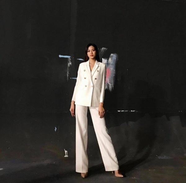 Cận cảnh đôi chân dài 1,11m nuột nà như báu vật của Tân Hoa hậu Việt Nam Đỗ Thị Hà - 5