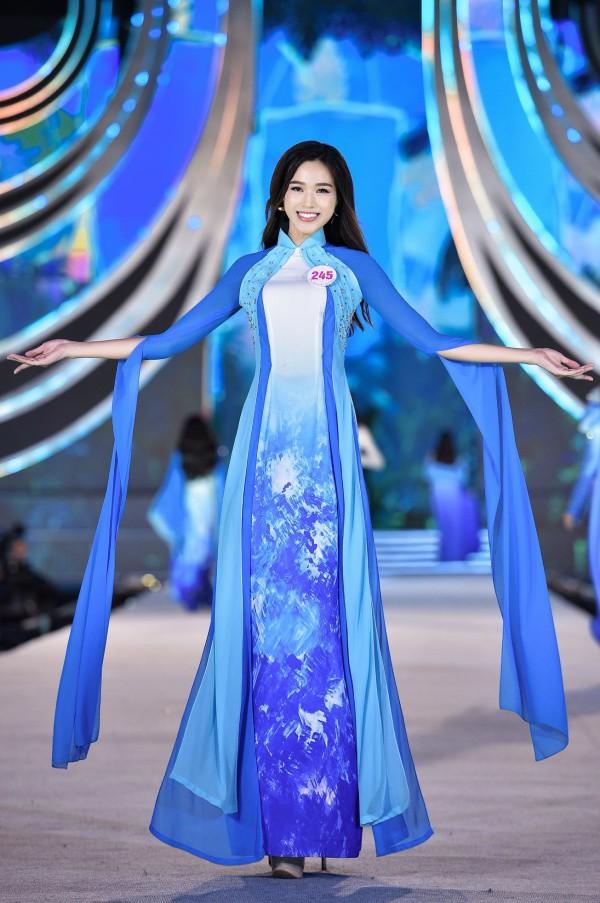 Cận cảnh đôi chân dài 1,11m nuột nà như báu vật của Tân Hoa hậu Việt Nam Đỗ Thị Hà - 7