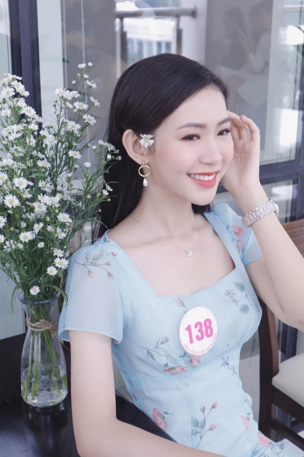 Đặng Thu Thảo chạm trán amp;#34;bản sao nhan sắcamp;#34; trên sân khấu Chung kết Hoa hậu Việt Nam 2020 - 9
