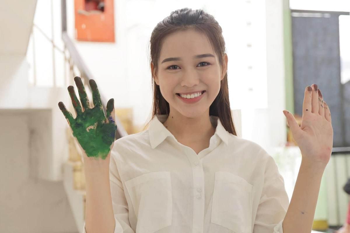 Phỏng vấn bố Tân Hoa hậu Đỗ Thị Hà: trốn nhà đi thi, lên cấp 3 mới biết điệu - 4