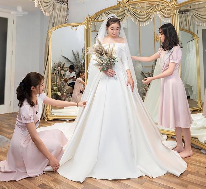 Váy cưới của hội WAGs: người mê diện đầm nửa tỉ, có người chỉ sắm váy 2 triệu - 9
