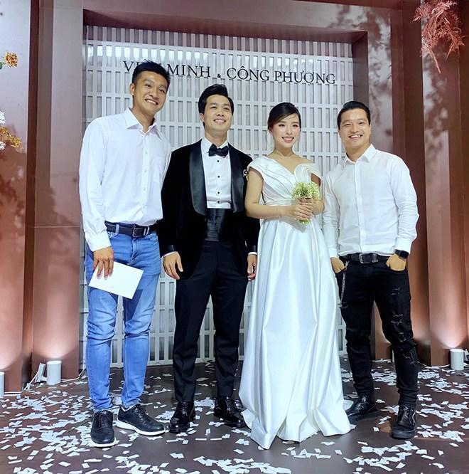 Váy cưới của hội WAGs: người mê diện đầm nửa tỉ, có người chỉ sắm váy 2 triệu - 12