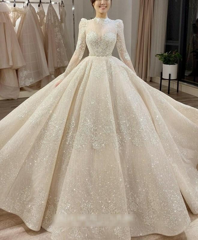 Váy cưới của hội WAGs: người mê diện đầm nửa tỉ, có người chỉ sắm váy 2 triệu - 3