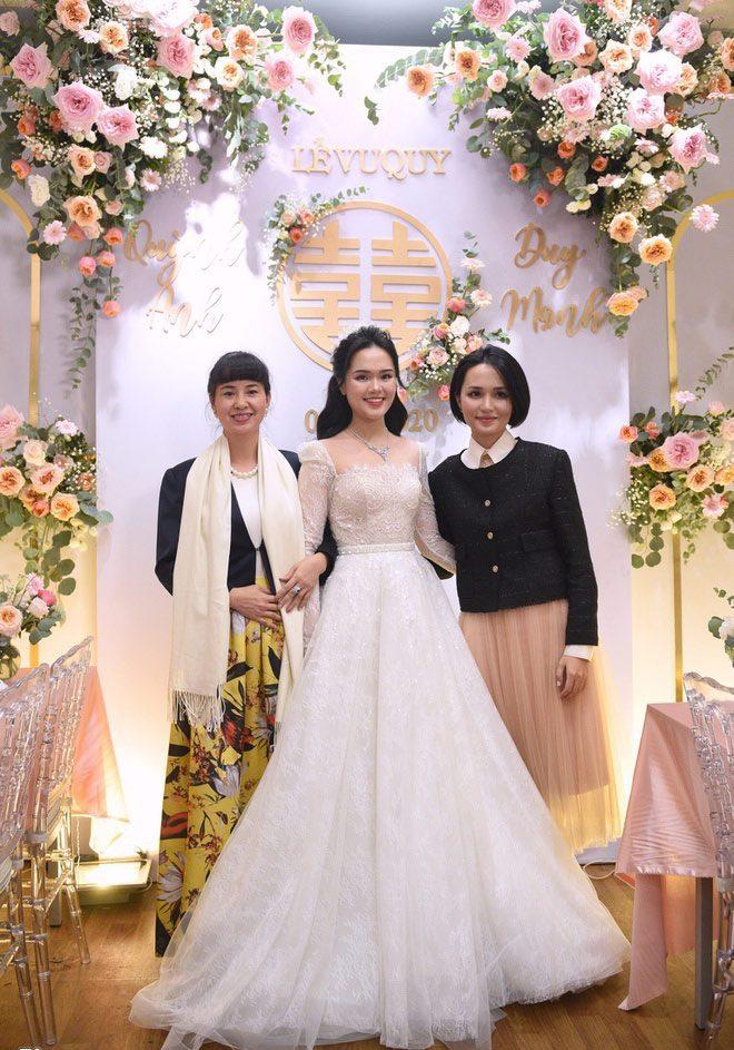 Váy cưới của hội WAGs: người mê diện đầm nửa tỉ, có người chỉ sắm váy 2 triệu - 6