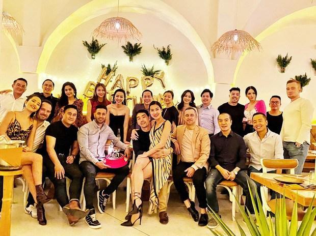 Hiếm hoi tụ họp, hội bạn thân của Hà Tăng hút sóng mạng bởi diện mạo trẻ đẹp bất chấp - 4