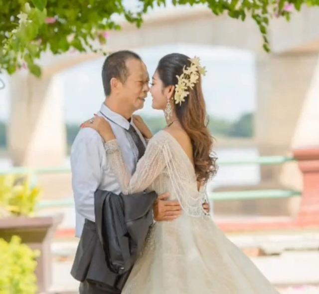 Chú rể 70 vẫn cưới vợ ngoại quốc đáng tuổi cháu, nhan sắc cô dâu gây ngỡ ngàng - 5