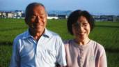 Giấu vợ chuyện không biết chữ, 35 năm sau chồng có hành động khiến ai cũng rơi nước mắt