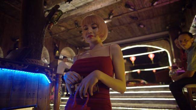 Chồng Thu Trang cùng Quang Minh đi nuôi amp;#34;sugar babyamp;#34; trong phim 18+ ngập cảnh nóng - 5