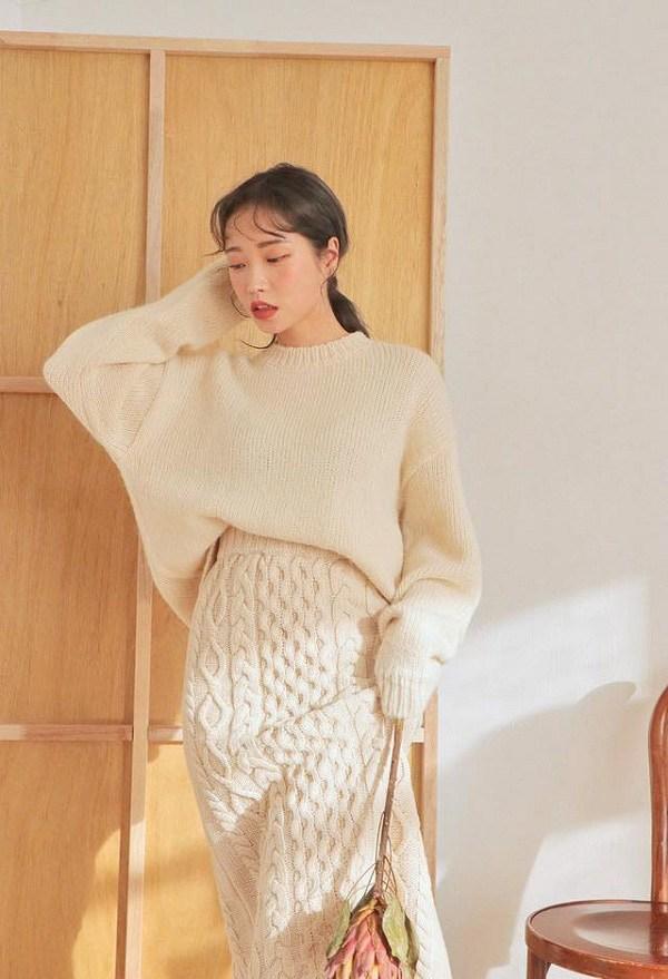 Hà Nội chuyển rét, nàng muốn mặc ấm và xinh cứ amp;#34;tăm tiaamp;#34; mấy kiểu trang phục này là chuẩn - 12