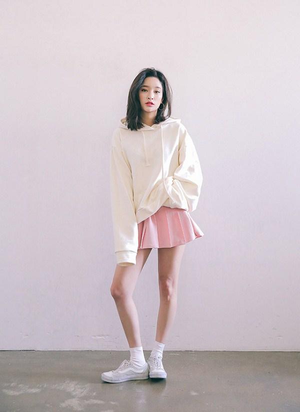 Hà Nội chuyển rét, nàng muốn mặc ấm và xinh cứ amp;#34;tăm tiaamp;#34; mấy kiểu trang phục này là chuẩn - 16