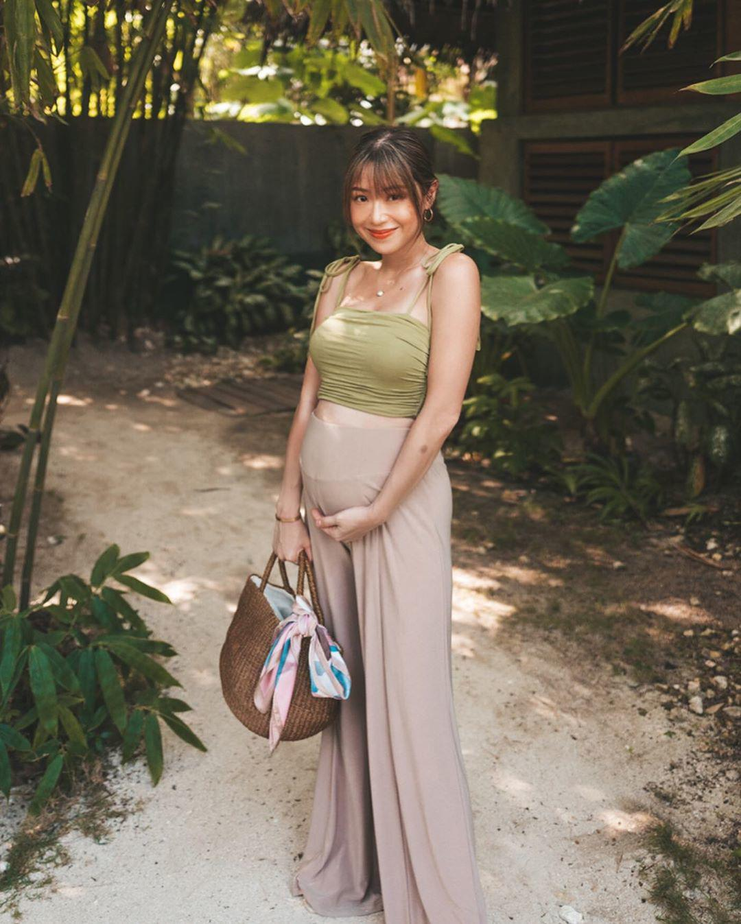 Hết mang giày cao lênh khênh, bạn gái Mạc Văn Khoa lại mê diện đồ ôm sát khi mang bầu - 12
