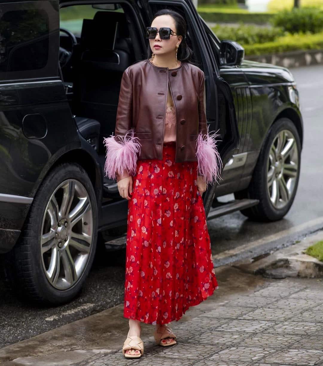 Phượng Chanel đúng là có thù với chân váy dài: cứ amp;#34;lên đồamp;#34; đón ngày rétlại dìm dáng thấy thương - 5