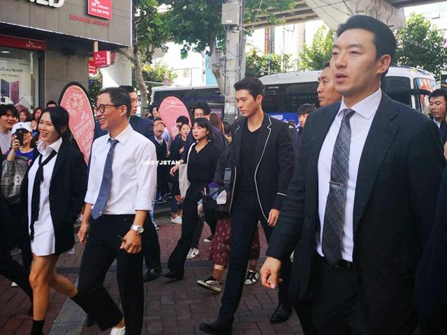 Ngôi sao 24/7: Chỉ một hành động nhỏ, Hyun Bin bị tố cáo có gian tình với Son Ye Jin