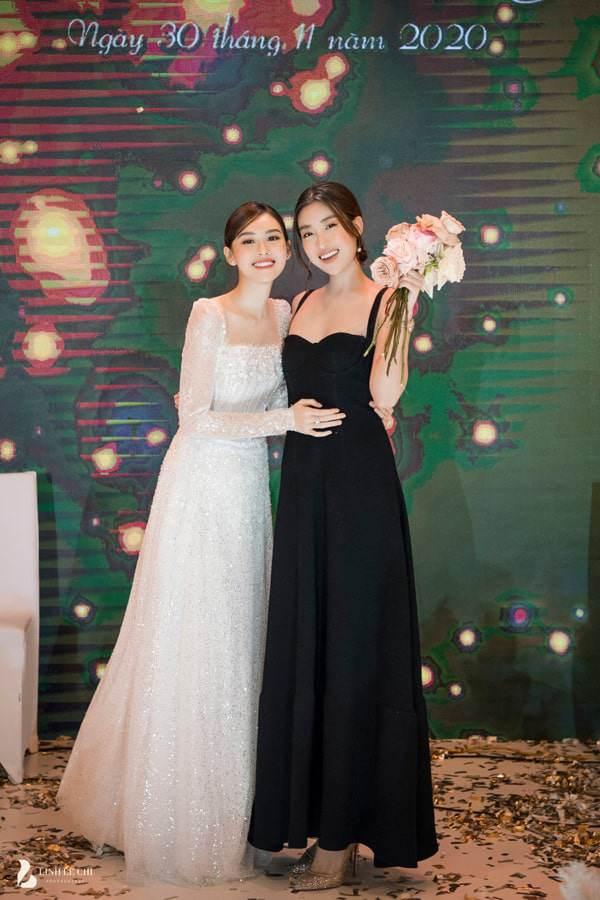 """Hoa hậu Tiểu Vy và á hậu Thuý An đi ăn cưới: mặc váy """"chặt chém"""" cô dâu Tường San - 11"""
