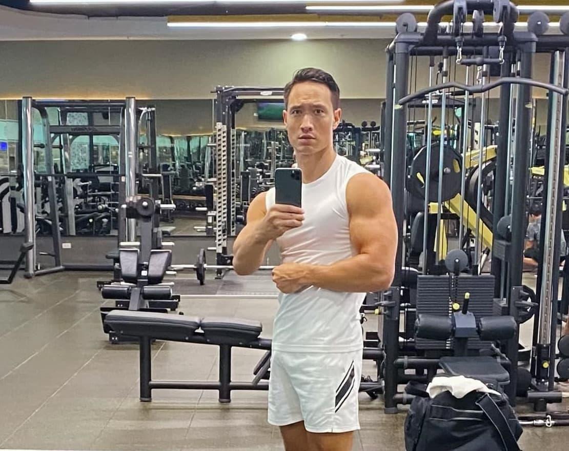 Hội nam thần Vbiz tập gym giảm cân có múi, riêng Kim Lý rèn body vì lí do cao cả - 7