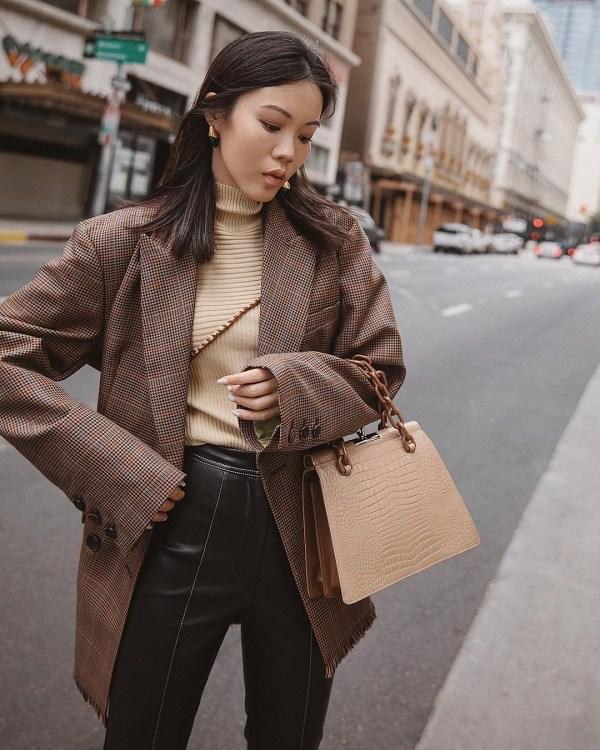 Kết hợp blazer với 4 kiểu áo này, nàng mặc đơn giản mấy cũng đẹp bất chấp trong mùa lạnh - 4