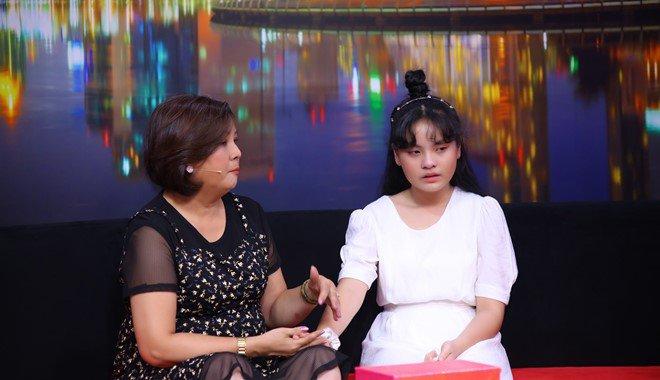 Ốc Thanh Vân trách phụ huynh để cô bé 13 tuổi xinh đẹp u uất, lục đục trước mặt con - 5