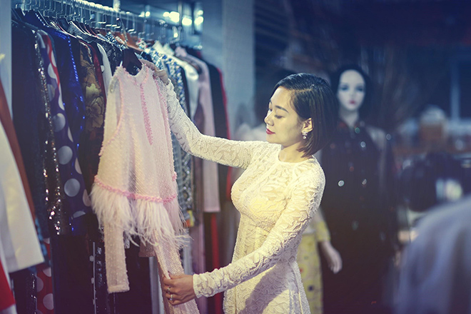 Nữ hoàng truyền cảm hứng Đỗ Thị Vân Anh duyên dáng chọn áo dài - 1