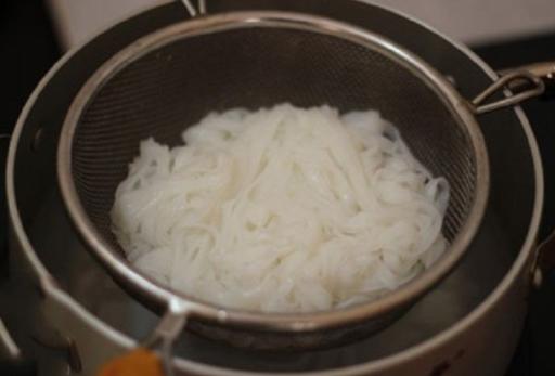 2 Cách nấu phở gà ngon tại nhà đơn giản ai cũng làm được - 9
