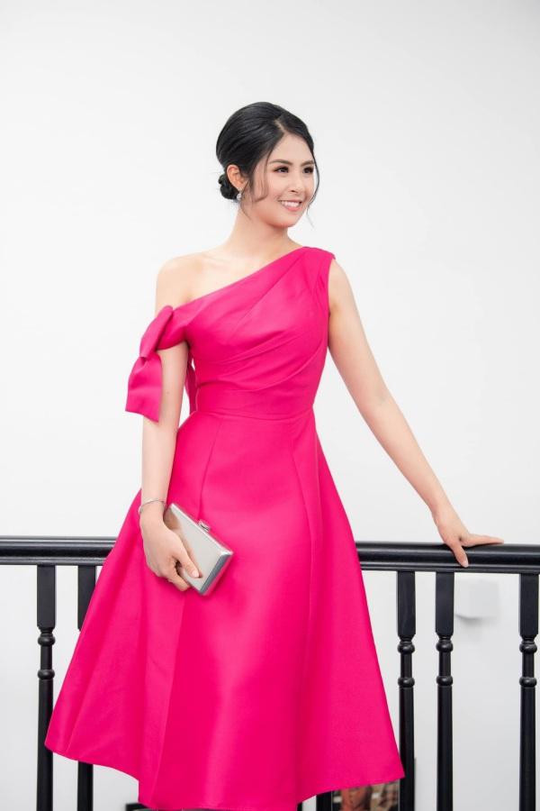 Hơn chục tuổi, Hoa hậu Ngọc Hân không ngại amp;#34;đối đầuamp;#34; sắc đẹp với Đỗ Thị Hà - 6