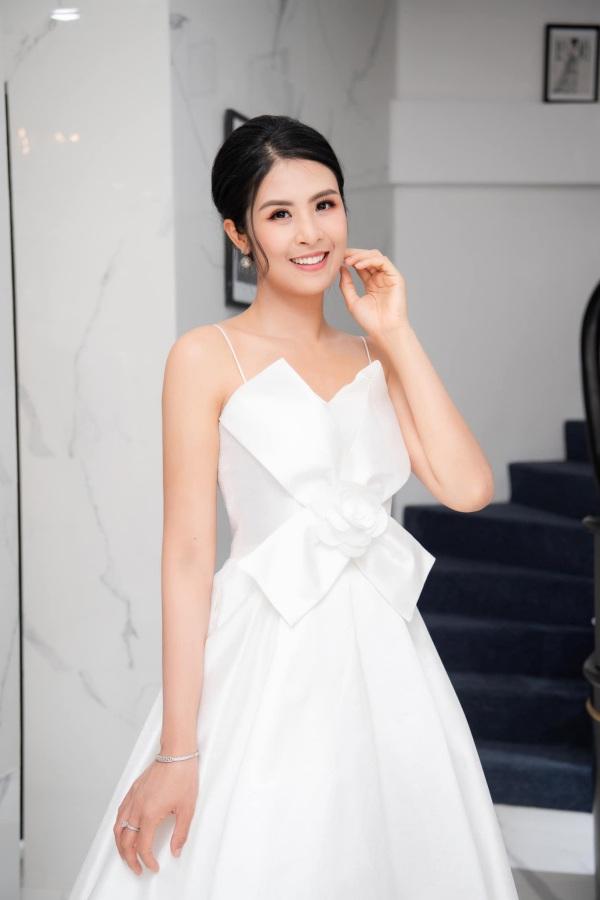 Hơn chục tuổi, Hoa hậu Ngọc Hân không ngại amp;#34;đối đầuamp;#34; sắc đẹp với Đỗ Thị Hà - 7