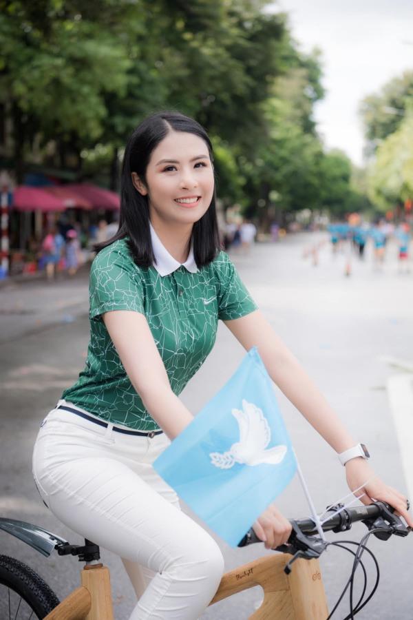 Hơn chục tuổi, Hoa hậu Ngọc Hân không ngại amp;#34;đối đầuamp;#34; sắc đẹp với Đỗ Thị Hà - 11