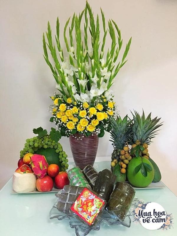 Nhìn hoa nhớ mẹ, 8X Việt ở nước ngoài cắm loại hoa chơi Tết đẹp siêu lòng - 8