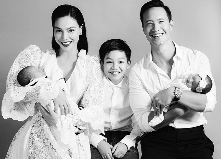 Chốt sổ năm 2020, 5 gia đình sao Việt vẫn kịp ôm amp;#34;Chuột vàngamp;#34; đón giao thừa - 1