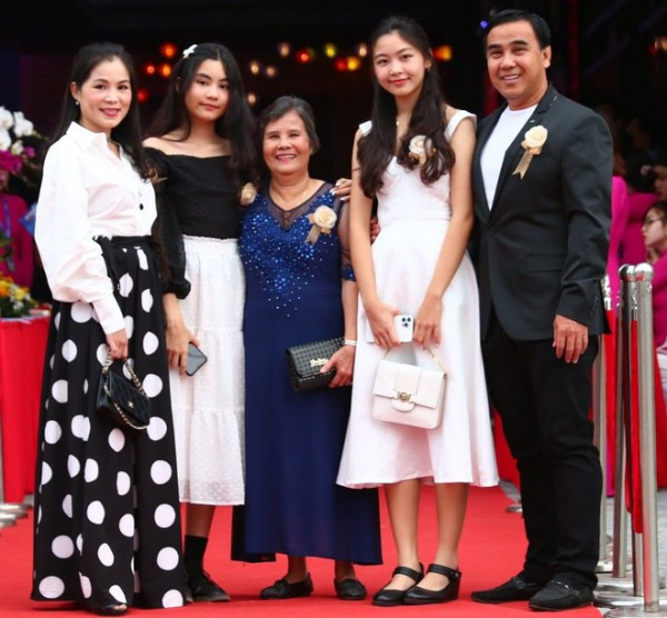 Nhan sắc chuẩn Hoa hậu, con gái Quyền Linh còn mặc có gu: Diện đơn giản mà xinh ngất ngây - 3