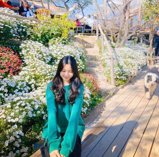 Nhan sắc chuẩn Hoa hậu, con gái Quyền Linh còn mặc có gu: Diện đơn giản mà xinh ngất ngây - 9