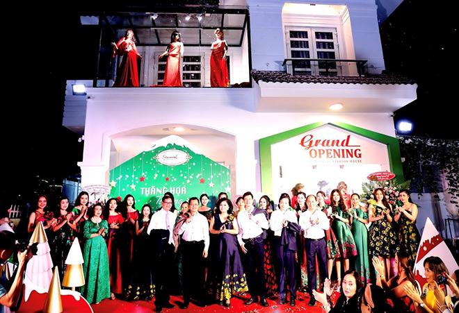 Doanh nhân và người nổi tiếng chúc mừng Sensorial Fashion House khai trương - 7