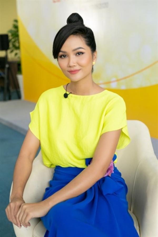 Không thể tin đây là bộ móng tay của nàng Hậu Việt đẹp nhất Thế giới - 7