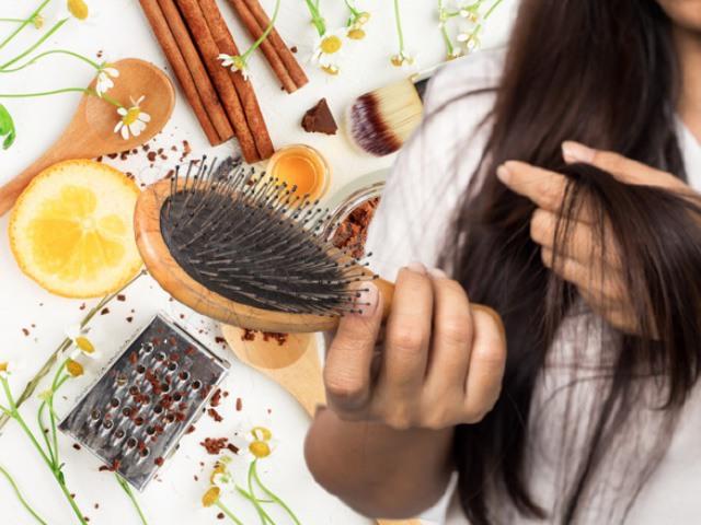 Dưỡng tóc suôn dày, chắc khỏe nhờ những bí quyết trị rụng tóc sau sinh bằng nguyên liệu tự nhiên