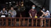 Hàng quán tại Hà Nội nhộn nhịp ngày đầu phục vụ khách tại chỗ