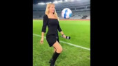 MC thể thao sexy nhất thế giới diện váy xẻ tà tâng bóng hút nửa triệu người like