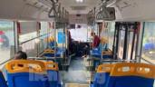 Bất ngờ cảnh khách vắng, bến đìu hiu sau thời gian xe buýt Hà Nội hoạt động trở lại